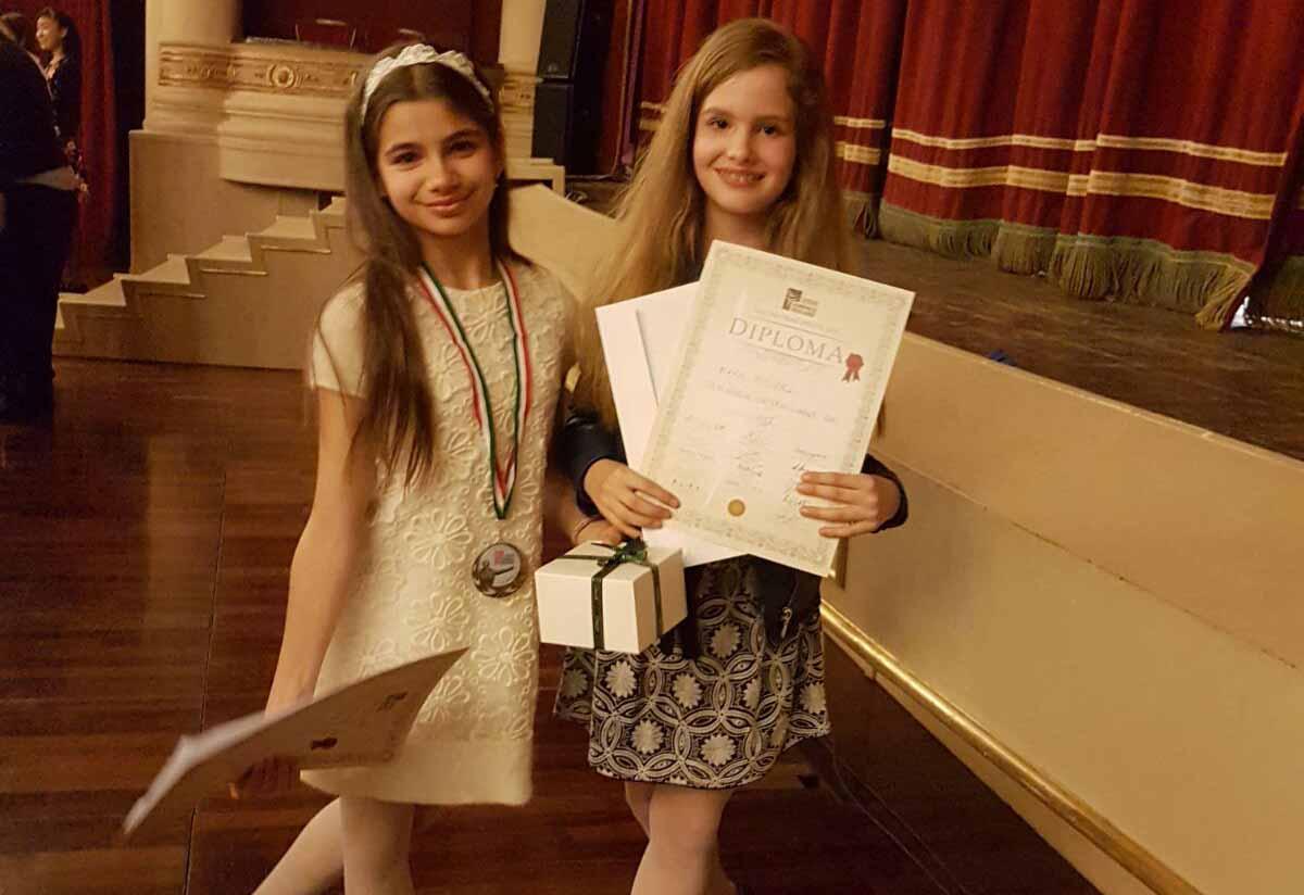 Noi premii și burse pentru elevele Academiei de Dans Ballet Art!