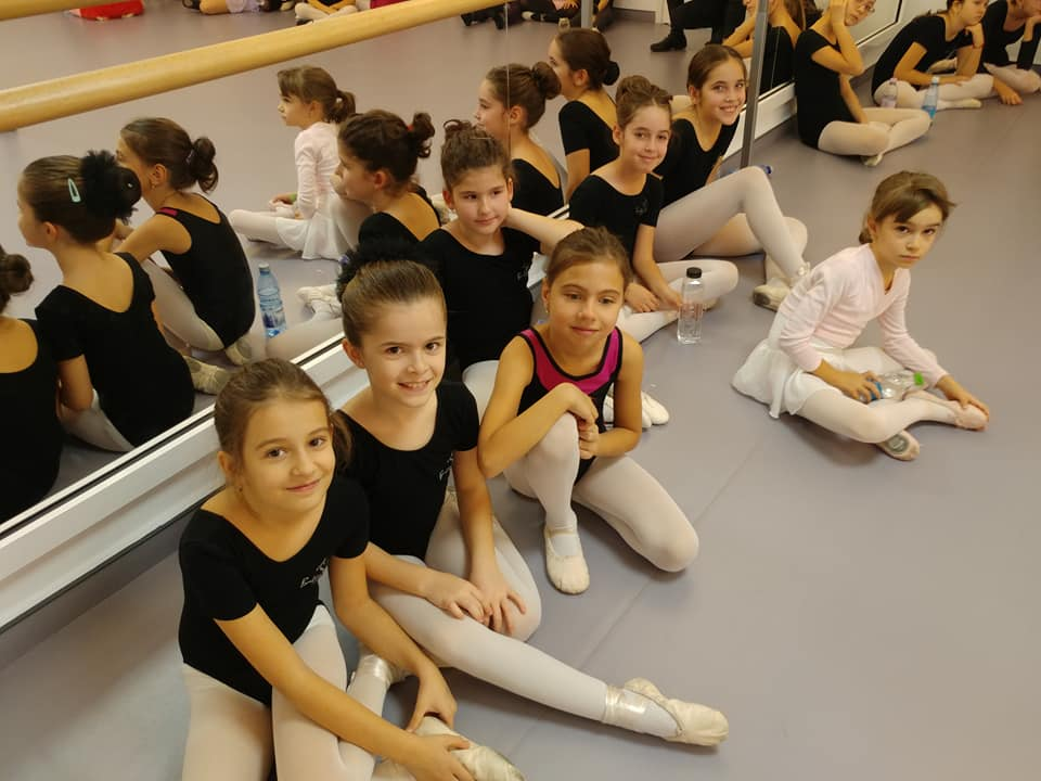 Întâmpină magia sărbătorilor cu Ballet Art