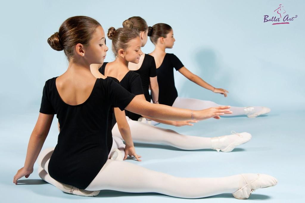 Am început cursurile online de balet! Iată care este programul