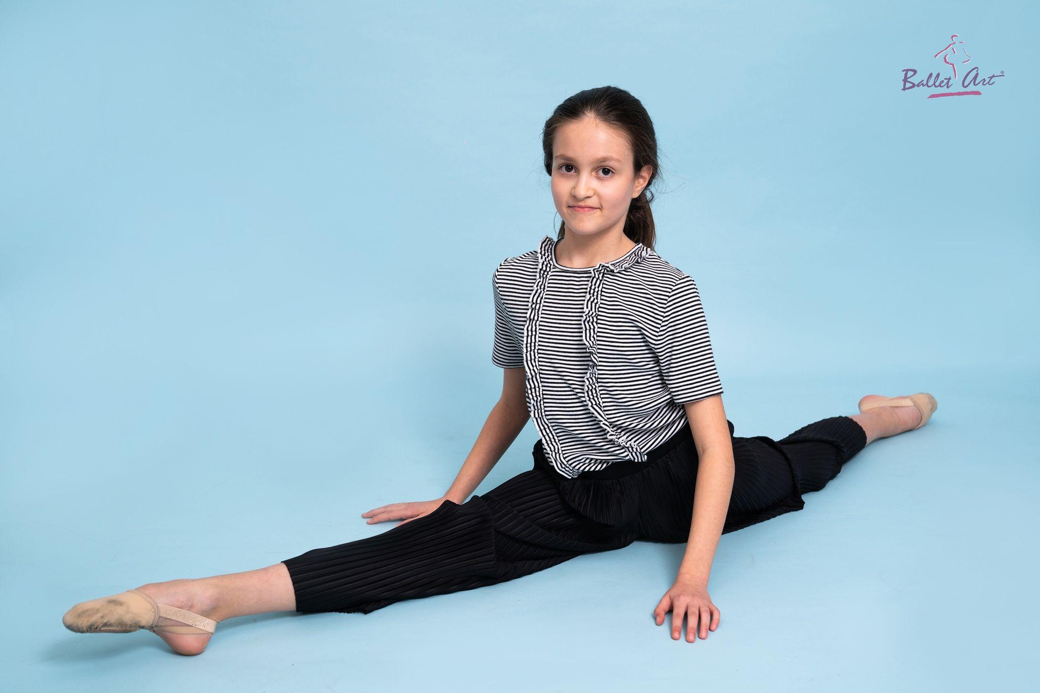 O altă elevă Ballet Art admisă la o școală de prestigiu de balet: Eva Maria va studia la State Ballet School Berlin!